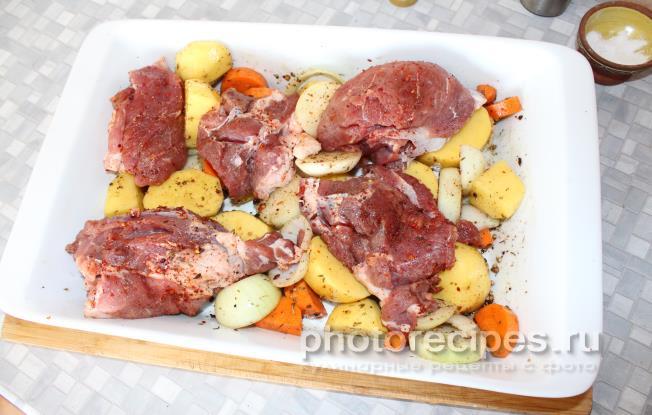 как приготовить в духовке баранину с картошкой