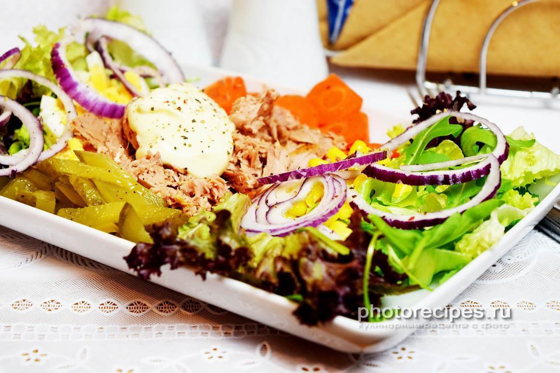 Овощной салат с консервами