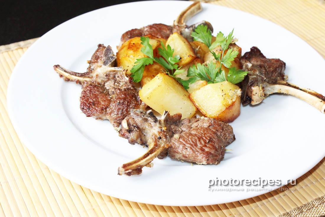 Баранья корейка с картошкой